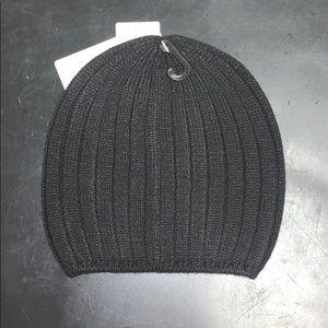 BRAND NEW !! Women's HEAT-TECH Knitted Beanie !